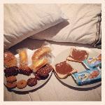 un breakfast un peu sommaire mais convenable pour des voyageurs sommaires comme nous !