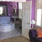 Honeymoon Suite bath - Market Street Inn