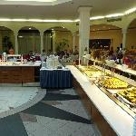 Frühstücksbuffet im Atrium
