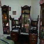 Victorian furniture in room 1