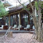 Veranda der Lodge