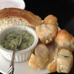 Garlic knots with dip
