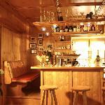 unsere gemütliche kleine Bar