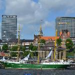 The famous green tall ship owned by the Bremen brewery came to visit