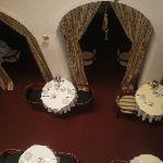Blick von der 2. Etage in den Frühstücksraum