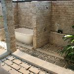 The outdoor bath and shower facilities