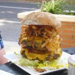 the burger my fiance had!!