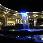 L'ingresso con fontana