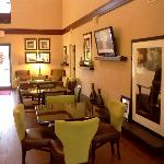 Lobby/Dinning area