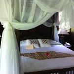 le lit (chambre Saraswati)