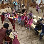 Für die kleinen Gäste: Spielplatz mit Piratenschiff, Puppenspielerin, Märchenerzähler uvm.
