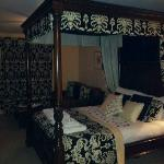 Four poster bed, Ribble suite