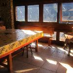 salle a manger et bar pour 20 personnes.