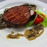 Beefsteak with mushroom sauce