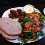 falafel tzatziki pitta and salad