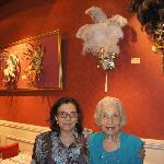 Mi abuela y una tia de Italia, encantadas!!!!
