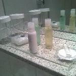 Bad: hochwertige Kosmetikartikel