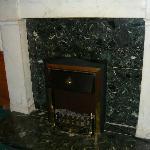 Камин в холле