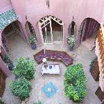 Der Empangsbereich und Innenhof des Riads