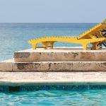 beachside/poolside