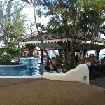The fantastic pool bar