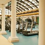 655sqm of health with day light and up-to-date equiment.