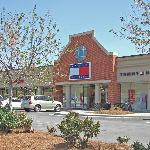 Calhoun Premium Outlets
