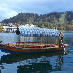 barche caratteristiche per raggiungere l'isoletta
