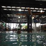 Piscina coberta do parque aquático