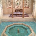 Pool chamber