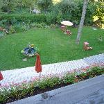 Vista del giardino dal balcone della camera