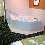Jacuzzi in the suite