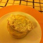 tortino di porri con crema di formaggio e scorze di limone caramellate