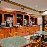 CountryInn&Suites HotSprings BreakfastRoom