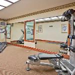 CountryInn&Suites HotSprings FitnessRoom