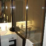 stanza bagno + doccia
