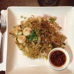 Thai Lo Mein