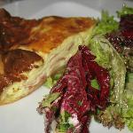 Quiche lorraine and salad