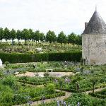 loirevalleygardens.com tour La Chatonniere May2012