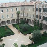 Ora Hotels Cenacolo, giardino interno