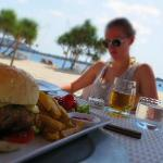 Beet fillet burger