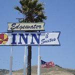 Sign for Edgewater Inn