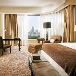 Four Seasons Hotel Singapore - Premier Room