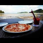nice pizza by the bay... but it was low tide!