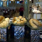 Bread & bun rolls counter