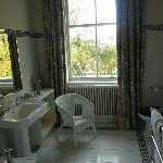 Oval Room Bathroom