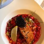 Creative and exquisite small dishes: here salmon with black seasamy seeds