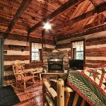 Foto de Hocking Hills Frontier Log Cabins