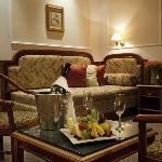 호텔 앰배서더 즐라타 후사