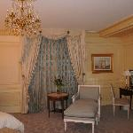 Paris room